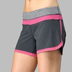 Lululemon groovy run shorts size 4 pink and gray